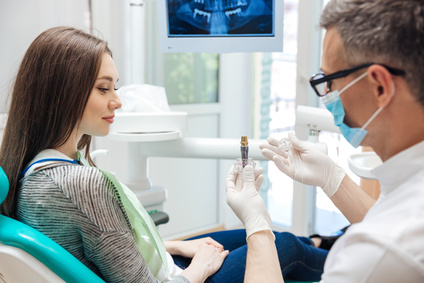 Rénover une prothèse dentaire pour un confort réel